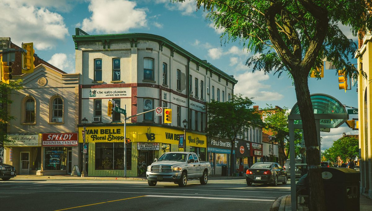 downtown-shops-whitby-ontario-brookfield-residential